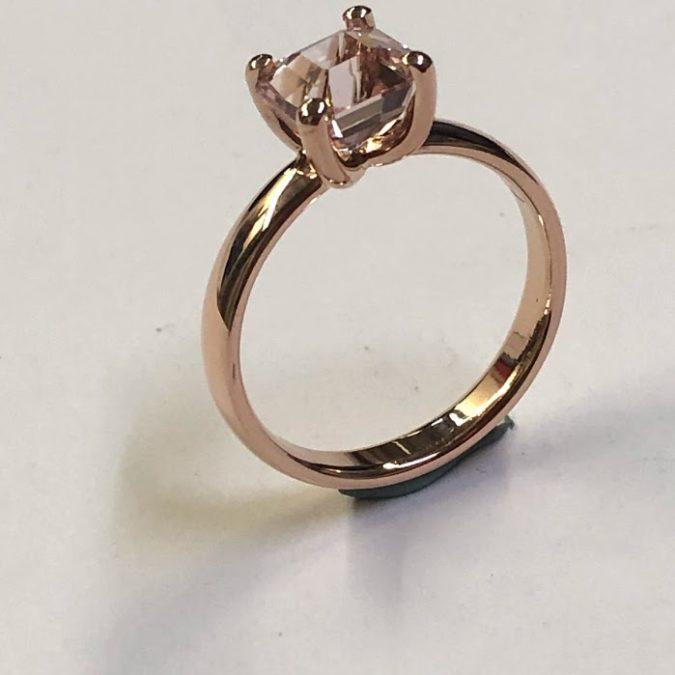 14 krt rosé gouden dames ring met rose saffier